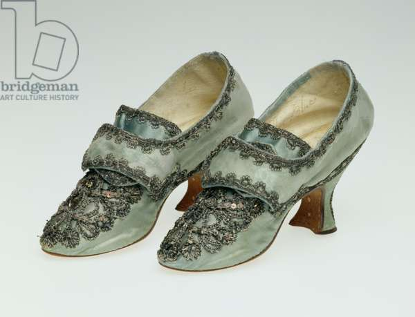 Pair of Shoes, made by 'Francis Poole, Women's Shoemaker, in the old Change near Cheapside', 1760s (silk)