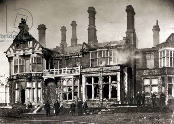 The burning of the house of Mr Arthur du Cros MP, St Leonards, Hastings, 14th April 1913 (b/w photo)