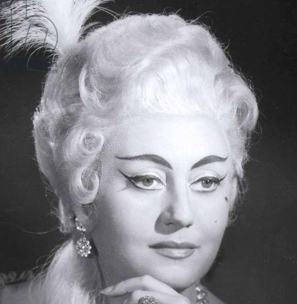 Regine Crespin as  the Marschallin in Richard Strauss ' opera Rosenkavalier French soprano 1927 -2007