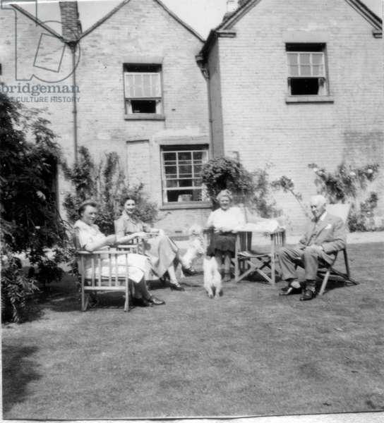 Group of people in a garden, Oaklands