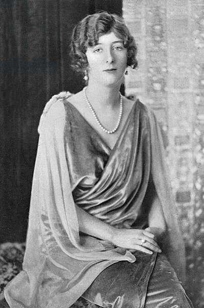 Lady Idina Wallace