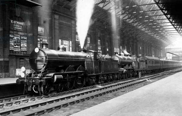 4-4-2 Locomotives - Double Headed Train, Victoria Railway St