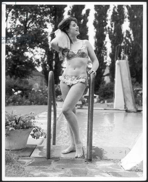 POOLSIDE BIKINI 1960S
