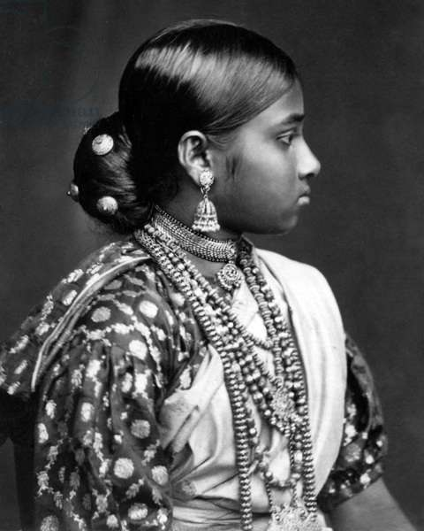 Young woman, Ceylon (Sri Lanka)