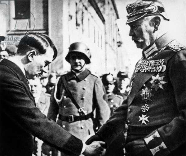 Adolf Hitler et Paul von Hindenburg