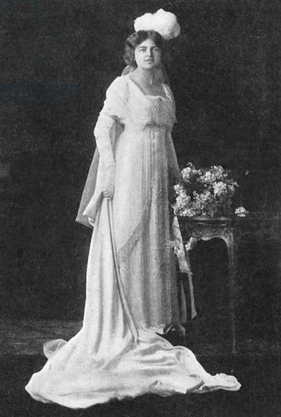 Miss Olwen Lloyd George in her court presentation gown