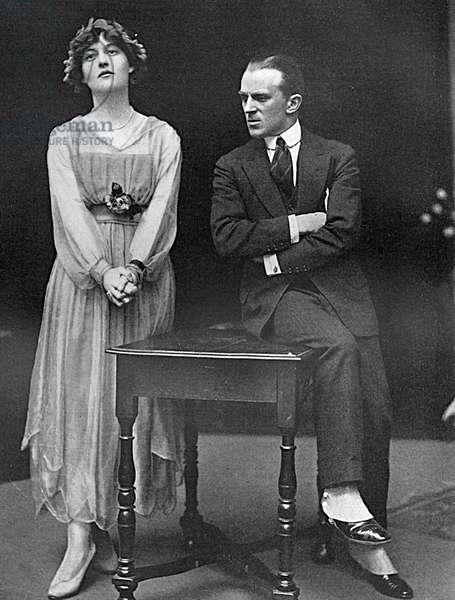 Elizabeth Asquith & Nelson Keys rehearsing a matinee, WW1