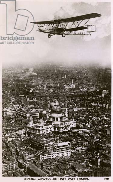 Imperial Airlines Handley Page over London, Englad