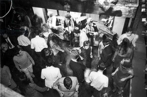 SWINGING NIGHTCLUB 1960S