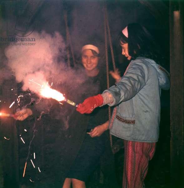 GIRLS & FIREWORKS