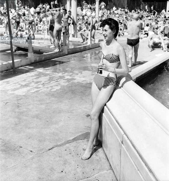 Clothing Beachwear. Jase Mills modelling bikini. July 1953 D3467