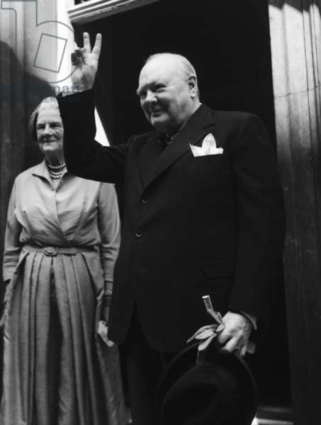 Prime Minister Winston Churchill at Number 10 Making V sign 1952 (b/w photo)