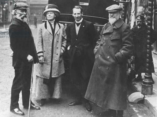 Keir Hardie meets George Bernard Shaw and his wife, 1910 (b/w photo)