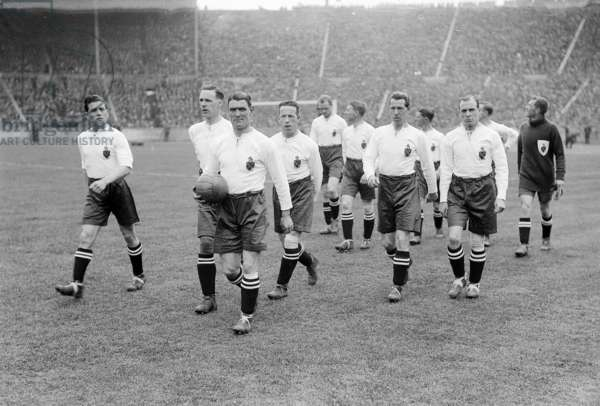 Joe Smith leading the Bolton team onto the Wembley Pitch  FA Cup Final 1926