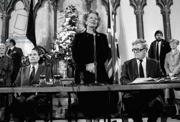 Margaret Thatcher signs the Chunnel Agreement with Francois Mitterrand in February 1986 (b/w photo)