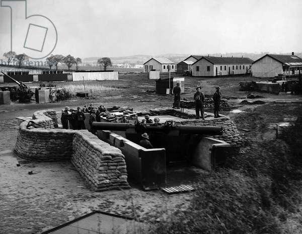 World War Two, An anti - aircraft gun emplacement in Scotland, 1939 (b/w photo)