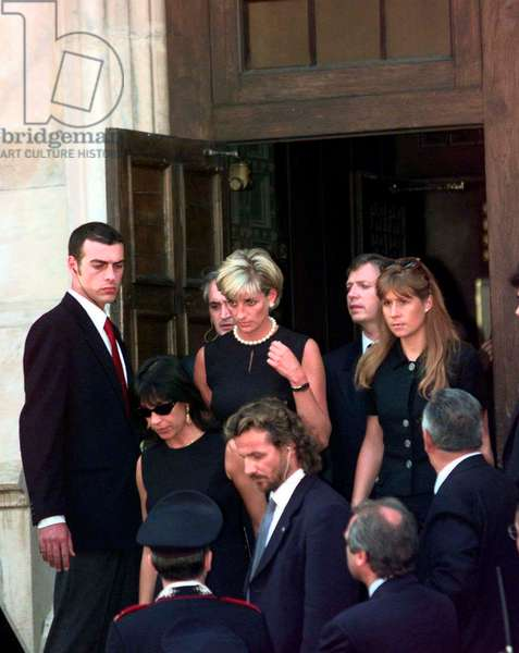 Princess Diana leaves Gianni Versace memorial, 22nd July 1997 (photo)
