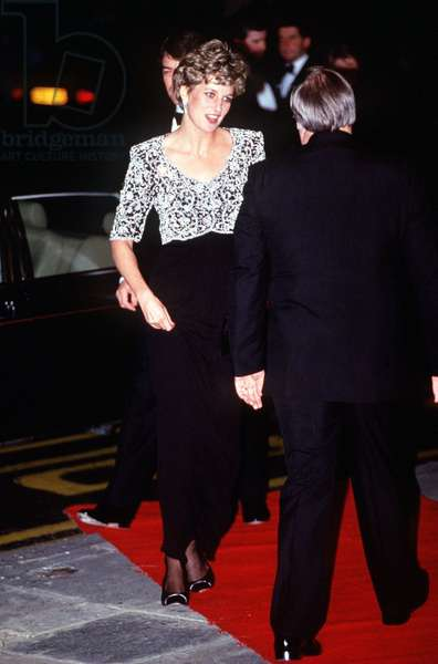 One of the dresses auctioned in New York, Diana Princess of Wales, June 1997 (photo)