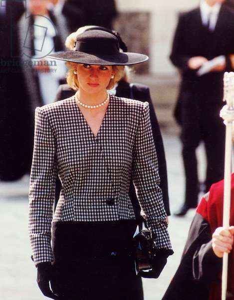 Princess Diana attends the, Marchioness Memorial Service at Southwark Cathedral, September 1989 (photo)