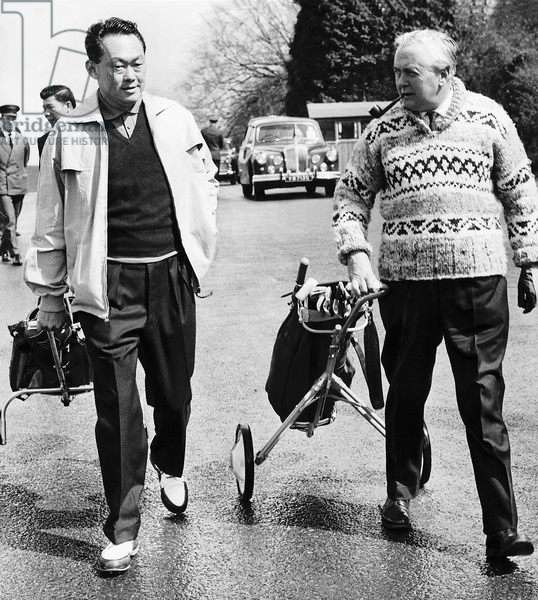 Harold Wilson playing golf with Lee Kuan Yew, April 1975 (b/w photo)