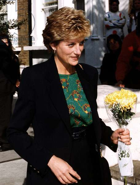 Princess Diana visiting centre point, October 1993 (photo)