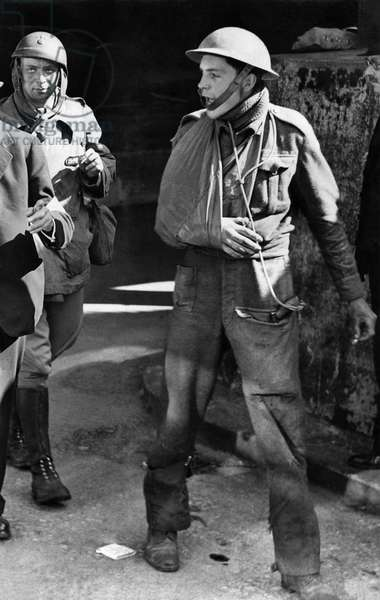 Bataille de Dunkerque 1940 A wounded soldier seen here after being evacuated from Dunkirk in Northern France.
