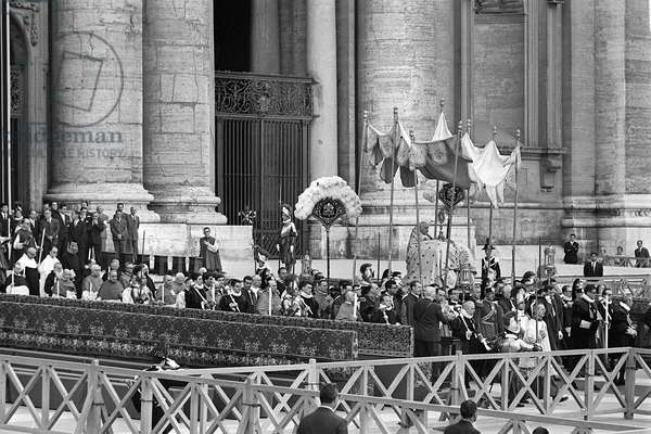 June 1962 Pope John XXIII during a solemn ceremony at St Peter's Basilica Rome