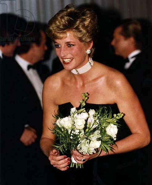 """Princess Diana at the Royal film premiere """"1492 Conquest of Paradise"""" at the Empire Leicester Square London, October 1992 (photo)"""