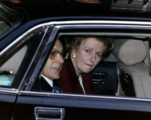 Margaret Thatcher leaving No. 10 Downing Street for the last time in 1990 (photo)