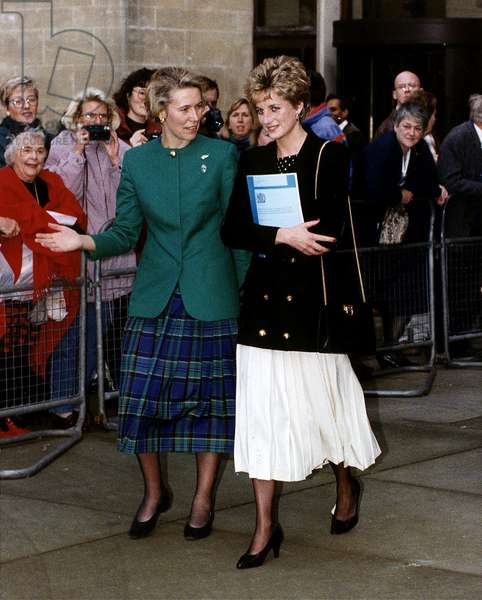 Virginia Bottomley health secretary with Princess Diana who is attending a briefing at the Department of Health November 1992 (photo)