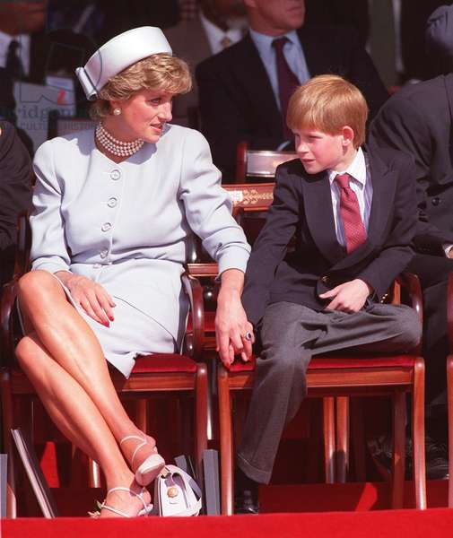 Diana Princess of Wales and son Prince Harry at VE Day ceremony - Diana holding Harry's hand, May 1995 (photo)