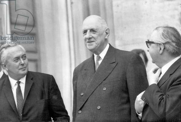 Harold Wilson Prime Minister and President De Gaulle meeting in Paris. George Brown (R) (b/w photo)