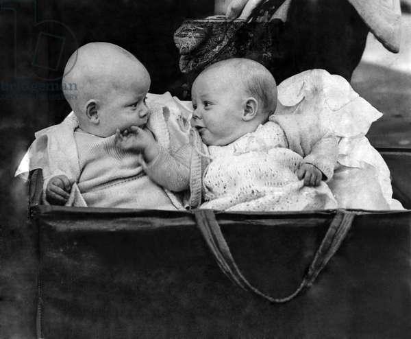 Babies born in the Blitz, November 1941 (b/w photo)