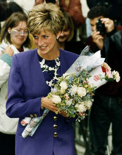 Princess Diana attends the Art Council in London, October 1991 (photo)