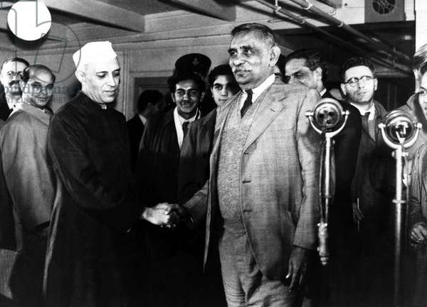 Jawaharlal Nehru greets Don Stephen Senanayake at London Airport, October 1948 (b/w photo)