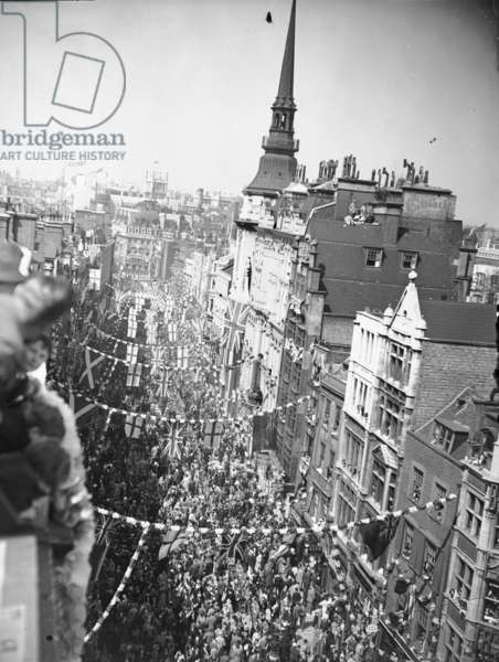 A panoramic view of Ludgate Hill adorned with decorations for King George V's Silver Jubilee, 3rd May 1935 (b/w photo)