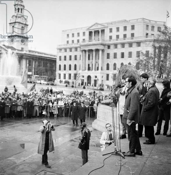 Alan Myers addressing the crowd at a Vietnam War demonstration, November 1969 (b/w photo)