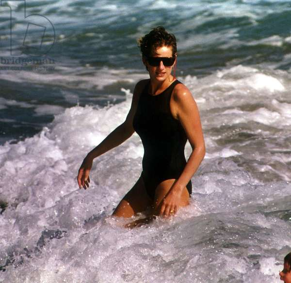 Princess Diana in the sea on holiday in Nevis Island January 1993 (photo)