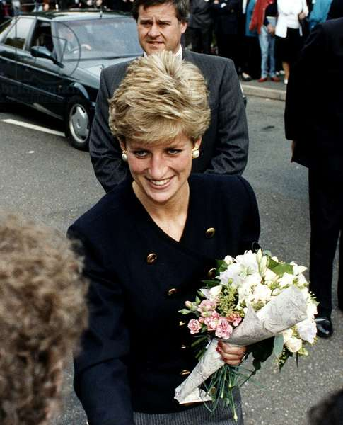 Princess Diana Royalty visits Holy Trinity St Philips Church, Dalston, October 1991 (photo)