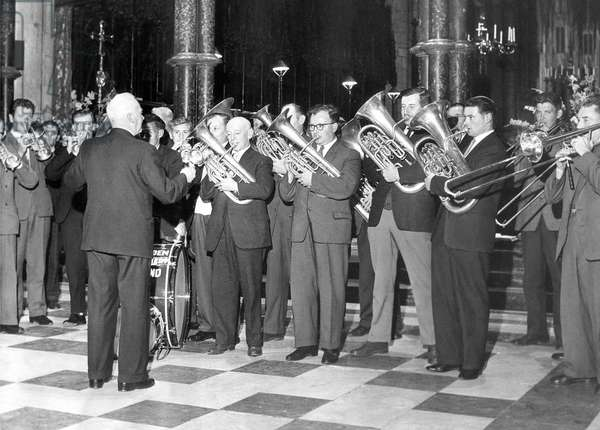 Hordon Colliery Band were recording in Durham Cathedral for the Festival of Sound and Light, 9th July 1964 (b/w photo)