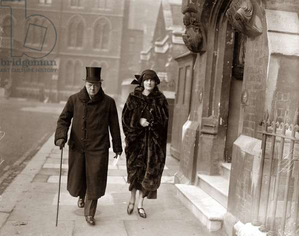 Winston Churchill with his wife Clementine in Leicester, where he was adopted as a Liberal candidate for the West Division, November 1923 (b/w photo)