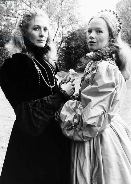 Vanessa Redgrave as Mary Queen of Scots and Glenda Jackson as Queen Elizabeth I, May 1971 (b/w photo)
