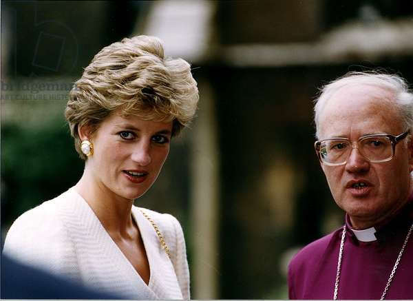 George Carey Archbishop of Canterbury and Princess Diana at Special Service Awards to Mission Volunteers at Lambeth palace, October 1993 (photo)