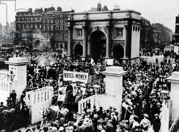Votes for Women Meeting in Hyde Park, June 1908 (b/w photo)