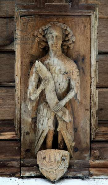 Detail of an angel from the roof at St. Mary's Magdalene, Wiggenhall, Norfolk, c. first half of 15th century (photo)