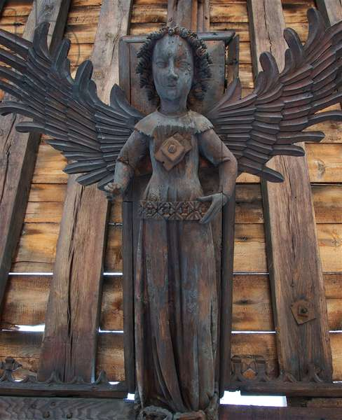 Female hammer beam angel with patterned girdle. St. Nicholas, Kings Lynn, Norfolk, c.1400-10 (photo)