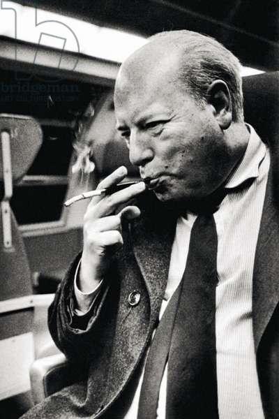 Ottiero Ottieri during a train trip, 1986 (b/w photo)
