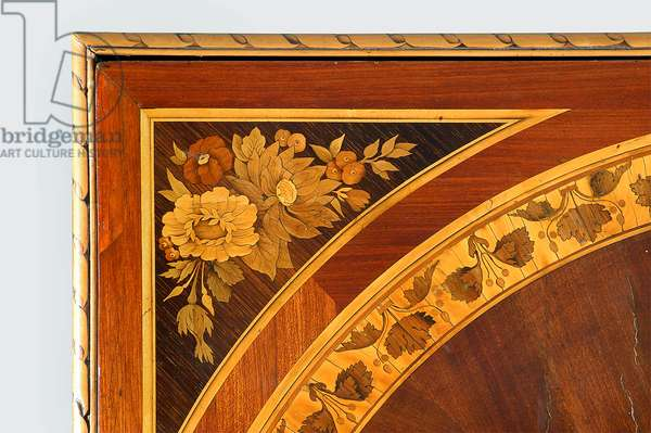 Top table with floral tarsia (wood)