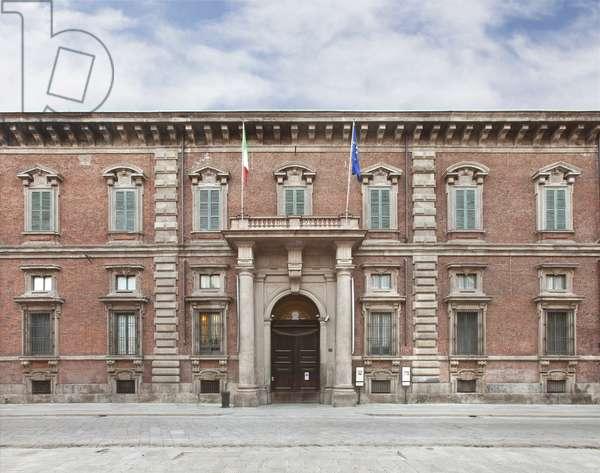 Facade of Pinacoteca di Brera, Palazzo di Brera, Milan, Lombardy, Italy (photo)