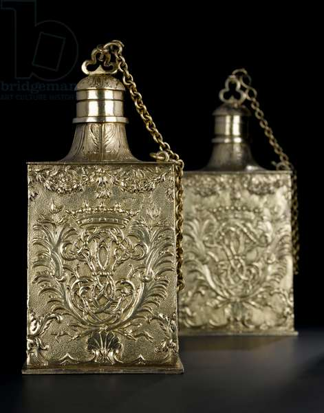 Silver-gilt scent bottle of rectangular form with screw-on stopper attached by a chain, from the Lennoxlove toilet service, owned by Frances Teresa Stewart, Duchess of Richmond and Lennox: French, Paris, assayed between September 1672 and October 1674 (A.1954.8 E-F)